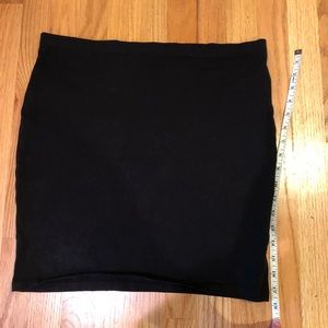 H and M basic black skirt